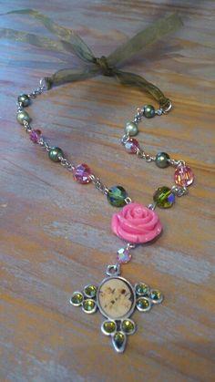 Roze garden necklace with Swarovski Elements