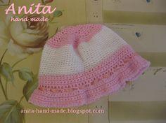 Wool hats for little girls, in 100% wool.  Cappellino da bambina, in 100% pura lana vergine merino, supersoffice!! :)