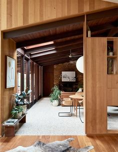 10 Unreal, Architectural Homes You Can Stay In! (The Design Files) Mid-century Interior, Modern Interior Design, Interior Architecture, Interior Decorating, Midcentury Modern Interior, Brick Interior, Australian Interior Design, American Interior, Scandinavian Interior