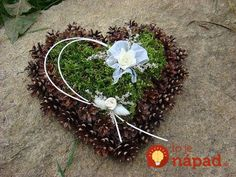 Best Picture For funeral party For Your Taste You are looking for something, and it is going to tell you exactly what you are looking for, and Grave Flowers, Cemetery Flowers, Funeral Flowers, Fall Crafts For Adults, Christmas Crafts, Christmas Decorations, Christmas Arrangements, Cemetery Decorations, Memorial Flowers