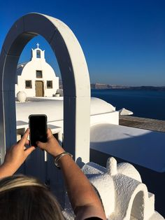 Shooting the shooter... Join me for your chance to see the best of Santorini with your phone #Santorini #Greece #Oia #photo #phototour #Thera #blue #iphone #architecture #wishyouwerehere #phonetography #phonetographytour #discoverGreece #I_love_Greece #island_life #summer #shotwithiphone #phone #instagraphy #bucketlist #mobile #instapic #landscape #travel_photography #wanderlust