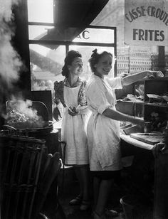 Marchands de frites (Chip Sellers)  Rue Rambuteau, Paris  1946 by Willy Ronis