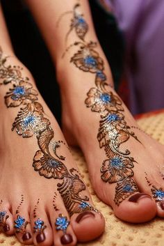 henna, soo pretty with the blue accent!