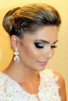 Madrinhas de casamento: Penteado de festa e maquiagem