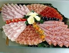 Arrange the cheese plate- käseplatte anrichten Arrange picture result for cheese plate - Deli Platters, Party Food Platters, Food Buffet, Party Trays, Party Buffet, Cheese Platters, Meat And Cheese Tray, Meat Trays, Meat Platter