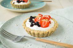 Waarom niet van iedere maaltijd iets bijzonders maken? Met deze haver & hazelnoot ontbijttaartjes, gemaakt met hazelnootmeel gaat dat zeker lukken.