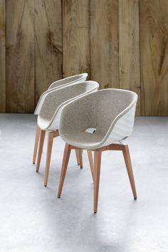 Cadeira lounge estofada de polipropileno Uni-Ka 599M by Metalmobil