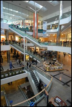 West Quay shopping centre contains hundreds of shops including high street retailers like John Lewis, River Island, Hollister, Jack Wills and New Look. There is also a food court with fast food chains and restaurants such as Nandos and Wagamamas.