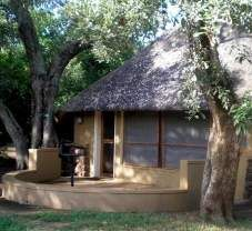 Roodewal Bush Lodge - Kruger National Park| krugerpark.com Kruger National Park, National Parks, Cabin, Country, House Styles, Places, Homes, Home Decor, Toy Block