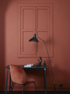 The terracotta color, a timeless trend for your home design. For some time now, beautiful terracotta interiors are under the spotlight and it isn't about to stop ! Why do we love so much terracotta ? Red Interiors, Colorful Interiors, Interiors Online, Beautiful Interiors, Colorful Decor, Interior Design Inspiration, Color Inspiration, Color Terracota, Wall Colors