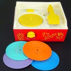 Fisher Price record player - I totally remember this! yay for Fisher Price! 90s Childhood, Childhood Memories, School Memories, Back In The 90s, 1 Gif, Fisher Price Toys, Retro Vintage, Vintage Toys 80s, Vintage Kids