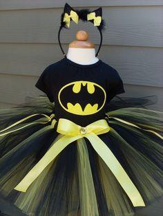 @Beckie 'beckerella' Munson Warloe  Batman tutu for the girls.  So cute!
