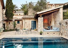 Mediterranean homes – Mediterranean Home Decor Stone Exterior Houses, Old Stone Houses, Exterior Homes, Mansion Interior, Mediterranean Home Decor, Mediterranean Architecture, House Architecture, Spanish House, Shabby Chic Homes