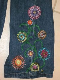 An orginal crewel embroidery design is waiting to embellish a pair of YOUR blue jeans. The hippie style flower power pattern is not only fun to stitch, but even more enjoyable to wear! The instructions for my Flower Power design comes as a pdf file and will ship free worldwide, in