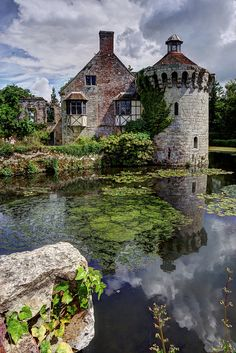 Scotney Castle, Kent, England lovely idea for visitor centre and pond :) castle like building? like a ruin even? Oh The Places You'll Go, Places To Travel, Places To Visit, Travel Destinations, Beautiful Castles, Beautiful Buildings, Photo Chateau, Kent England, Famous Castles