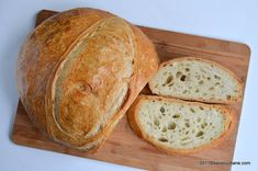 Paine de casa reteta simpla pas cu pas care nu da gres | Savori Urbane Bread Recipes, Cake Recipes, Romanian Food, Tasty, Yummy Food, Home Food, Garlic Bread, Sweet Bread, Food To Make