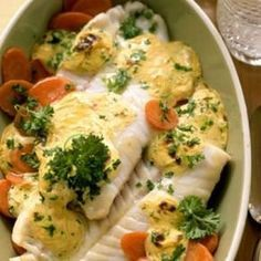Dinner Recipes Roasted salmon on mustard carrots – smarter – Calories: 330 Kcal – Time: 30 minutes … Dutch Recipes, Fish Recipes, Cooking Recipes, Healthy Recipes, Shrimp Recipes, Sauce Recipes, Oven Dishes, Fish Dishes, Carrot Vegetable
