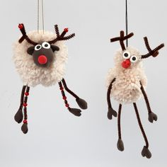 Pom-Pom Reindeer with Silk Clay and Pipe Cleaners with Beads - Creative ideas Crafts For Teens To Make, Christmas Crafts For Kids, Xmas Crafts, Diy Christmas Ornaments, Craft Stick Crafts, Spring Crafts, Crafts To Sell, Diy And Crafts, Christmas Decorations