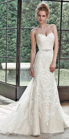 maggie sottero sweetheart lace wedding dress - Deer Pearl Flowers / http://www.deerpearlflowers.com/wedding-dress-inspiration/maggie-sottero-sweetheart-lace-wedding-dress/
