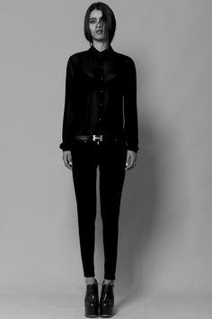 http://fashionspoiler.blogspot.com.br/2013/07/karol-santos-por-talles-bourges.html