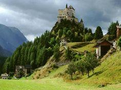Tarasp (Kanton Graubünden) - Castle / Schloss / Château