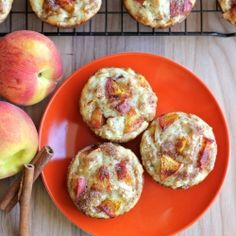 PEACH OATMEAL MUFFINS FILLED WITH CHUNKS OF FRESH PEACHES AND TOPPED WITH CINNAMON SUGAR.