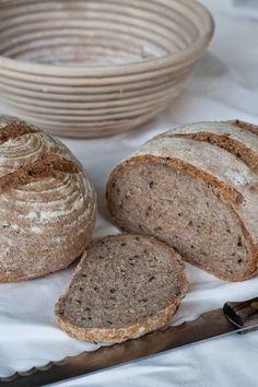 Huis, tuin en keukenvertier: Frans Landbrood met volkorenmeel en zaadjes
