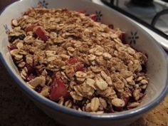 Apple & Berry Crumble || yummy guilt free winter dessert! || cleaninthekitchen.wordpress.com for recipes || #cleaneating #healthy #winter #dessert