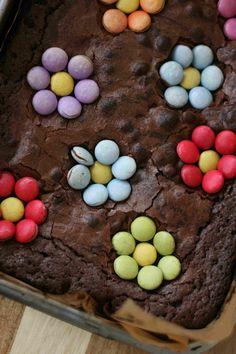 Springtime chocolate brownies #baking #chocolate #easyrecipe #kids