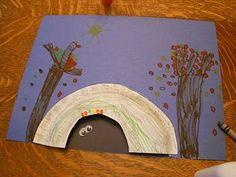 Cute bear hibernation craft for kids using a paper plate!