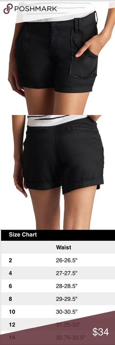 Women's LEE Eloise Casual Shorts Keep your look relaxed and casual with these women's shorts from Lee.  PRODUCT FEATURES •Pork chop pockets  •4-pocket FIT & SIZING •5 1/2-in. inseam •Midrise sits above the hip •Zipper fly FABRIC & CARE •Tencel •Machine wash •Imported Lee Shorts