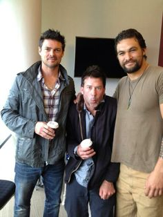 Karl w/Joe Flanigan and Jason Momoa. Oh mah GAWD, if I could only change places with Joe.... SEX SANDWICH!!!!