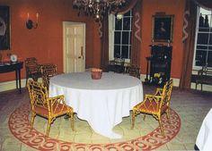 Diana's Dining room. http://www.princess-diana-remembered.com/uploads/5/3/3/5/5335384/dining_room-002.jpg