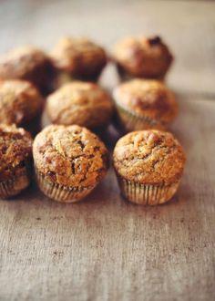 Essayez cette recette de muffins aux zucchinis et à la citrouille, avec, au choix, des dattes, des noix, canneberges.