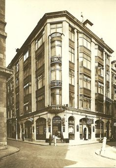 The Punch House, 1 Market Street/Jermyn Street (later at St Albans Street) in 1929