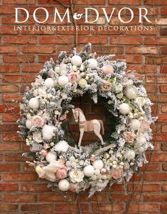 Rose Gold Christmas Decorations, Christmas Advent Wreath, Christmas Gift Baskets, Holiday Wreaths, Christmas Crafts, Holiday Decor, Christmas Photos, All Things Christmas, Christmas Time