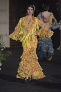 562a23b65 Las 38 mejores imágenes de Trajes de flamenca en 2016 | Trajes de ...