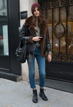 Fashion Winter Street Off Duty 20 Ideas street style fashion style Street Style Trends, Street Style Outfits, Mode Outfits, Fashion Outfits, Style Fashion, Trendy Fashion, Fashion Ideas, Printemps Street Style, Spring Street Style