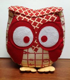 Chubby owl pillow in nautical red