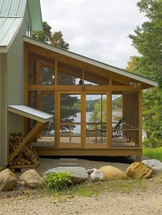 shed roofed screen porch