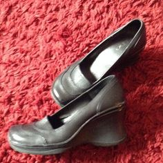"""Aldo black shoe Sz 8 Wedge heel in rubber. Great condition. 3"""" heel. Rounded toe Shoes Wedges"""