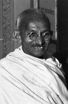 The earliest photo of Mohandas 'Mahatma' Gandhi (inset) was taken when he was just seven. The prominent Indian nationalist leader is famous . Mahatma Gandhi Photos, History Of India, History Pics, Calming Images, Bible Timeline, Smile Images, Historical Photos, Human Rights, Famous People