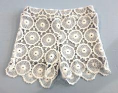 SHORT DREAMERS,  #Short per #bambine della #Dreamers con tessuto felpato e pizzo di cotone bianco, elastico in vita.  http://www.abbigliamento-bambini.eu/compra/pantaloncini-dreamers-2973702