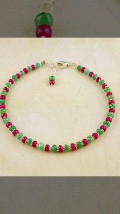 "In der Kategorie ""Indian Dreams"" finden Sie auch diese wunderschönen Armbänder.  #JOY #Einzelstücke #schmuck #jewelry #jewellery #bijoux #gioielleria #sieraden #IndianDreams #rubin #ruby #robijn #rubino #rubis #spinell #Spinel #mondstein #moonstone #smaragd #emerald #Labradorit #labradorite #mondstein #moonstone #edelsteinarmband #Armband #bracelet #gemstonebracelet #edelsteinschmuck #gemstonejewelry #braceletdegemme #edelsteenarmband #braccialettodigemme #geschenk #geschenkidee #gift… Moonstone Jewelry, Emerald Jewelry, Amethyst Armband, Joy Shop, Anklets, Jewelry Bracelets, Gift Ideas, Beads, Gifts"