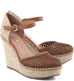Pretty Shoes, Cute Shoes, Me Too Shoes, Shoes Heels Wedges, Wedge Shoes, Shoes Sandals, Cute Sandals, Shoe Collection, Comfortable Shoes