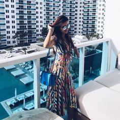 """2,382 curtidas, 102 comentários - ★ MÔNICA HILL ★ (@glambymoni) no Instagram: """"Good morning 💙 . Bom dia, Miami! 💙 Um ótimo sábado amores!"""""""