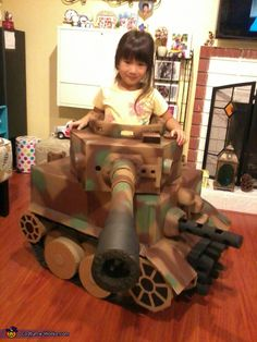 Alex: This cutest Tiger tank is made of 100% used material such as cardboard boxes, kitchen paper towel roll, mail shipping tubes, packaging form, packaging air bag for tracks and used...