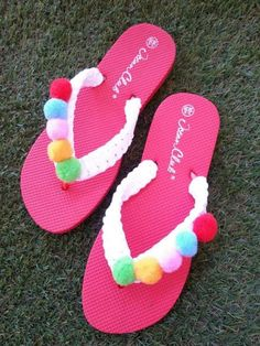 Handmade flip flops by AnnArt Accessories - Zapatos, chanclas. Crochet Sandals, Crochet Shoes, Crochet Slippers, Balloon Flip Flops, Flip Flop Craft, Crochet Flip Flops, Decorating Flip Flops, Pom Pom Sandals, Shoe Crafts