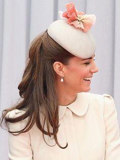 Maravilhosa e linda Kate com seu casquete