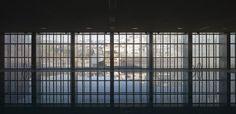 """Swimming Pool in """"Bola de Oro"""" Sports Centre / José Luis Rodríguez Gil"""